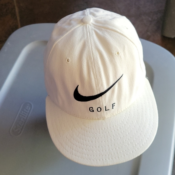 NIKE Golf embroidered hat Designed by golfers